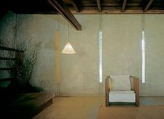 the schindler house, photo by michael freeman. // conc walls with slot windows Richard Neutra, Interior Architecture, Interior And Exterior, Interior Design, Schindler House, Modernist Movement, Modern Color Schemes, Terence Conran, Brick And Mortar