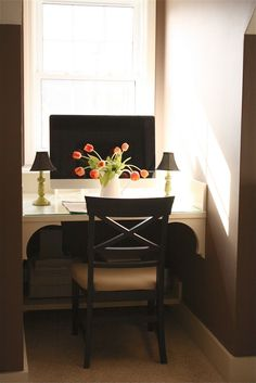 How to: home office in window nook Computer Nook, Desk Nook, Office Nook, Alcove Desk, Desk Space, Attic Office, Corner Office, Computer Station, Small Computer