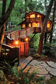 Taking inspiration from The Treehouse Book, authored by TreeHouse Workshops Peter Nelson, the Danilchik family build a Swiss chalet hovering between two centenarian Western Red cedars near Port Orchard Bay.