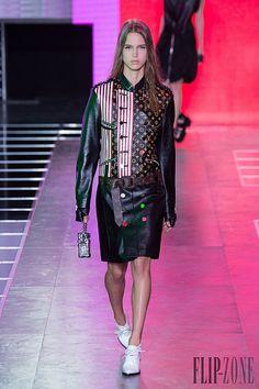 Louis Vuitton – 49 photos - the complete collection Spring Summer 2016, Ready To Wear, Louis Vuitton, Punk, Photos, How To Wear, Collection, Style, Fashion