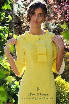 Party Dresses by María Picaretta- Vestidos de Fiesta de María Picaretta Party Dresses by María Picaretta - Vestidos Vintage, Vintage Dresses, Elegant Dresses, Beautiful Dresses, Dress Outfits, Fashion Dresses, Classy Women, African Dress, Yellow Dress