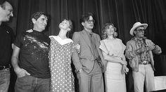 Die preisgekrönte Film-Crew im Mai 1984 in Cannes: Harry Dean Stanton, Nastassja Kinski, Wim Wenders,  Aurore Clement und Dean Stockwell (v.l.)