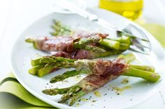 Grilled Prosciutto and Asparagus Bundles
