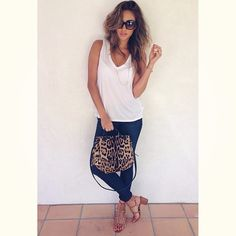 We LOVE Shay's bag and shoes!  | Pretty Little Liars