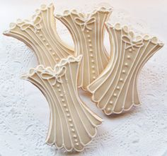 Corset cookies these look amazing Crazy Cookies, Fancy Cookies, Iced Cookies, Cute Cookies, Cupcake Cookies, Lingerie Cookies, Bikini Cookies, Cookie Icing, Royal Icing Cookies