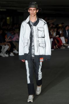 Miharayasuhiro Spring 2018 Menswear Collection Photos - Vogue