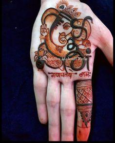 Lalitpur n. chhodiye jab tak mile n. udhar tak tak me he di is udhar Indian Mehndi Designs, Mehndi Designs For Girls, Stylish Mehndi Designs, Mehndi Design Pictures, Wedding Mehndi Designs, Mehndi Designs For Fingers, Beautiful Mehndi Design, Latest Mehndi Designs, Mehndi Images