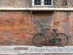 Ferrara #2 (NextStar85) Tags: road door city trip travel autumn sea italy house building muro texture home window lines bike bicycle wall composition landscape casa wooden october strada italia lock daily structure symmetry minimal finestra romantic ferrara simple palazzo parete autunno viaggio architettura paesaggio latch citt emiliaromagna bicicletta architectura ottobre stellapapini