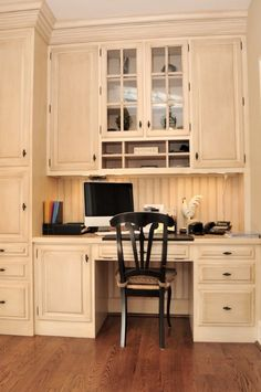 Traditional Home Office with Built-in bookshelf, Hardwood floors, Dura Supreme Cabinetry Arcadia Classic Panel, High ceiling Kitchen Desk Areas, Kitchen Desks, Kitchen Office Nook, Kitchen Cabinets, Traditional Home Offices, Traditional House, Traditional Kitchens, Bookshelves Built In, Built In Desk