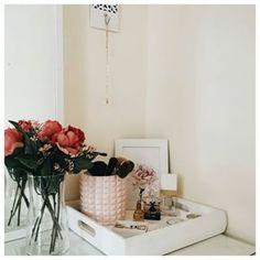 Szykuję mały projekt związany ze świątecznym dekorowaniem domu i mam do Was pytanie - które pomieszczenia dekorujecie? Wszystkie? A może tylko kilka? Jeśli tak, to które i dlaczego?☺️ . . . #dreaminterior #dreaminteriors #interiore #mojdom #wnętrze #inmydomaine #acornerofmyhome #houseenvy #decorlover #decorhouse #hyggehome #makehomeyours #livingspace #lovelyinterior #thisishome #charminghomes #pepcopolska #ikeapolska #pepcolove #pepcopoland #pepcomania Floating Nightstand, Ikea, Table, House, Furniture, Instagram, Home Decor, Floating Headboard, Decoration Home