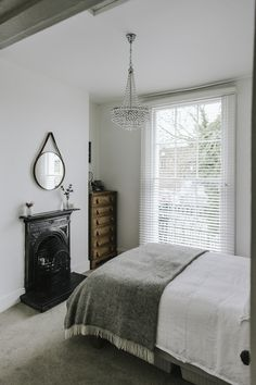 A beautiful monochrome family home with lots of ideas of how to successfully decorate a rental property without losing your personal interior style. Home Renovation, Home Remodeling, Modern Victorian Bedroom, Interior Styling, Interior Decorating, Expandable Dining Table, Comfortable Sofa, Home Improvement Projects, Modern Decor