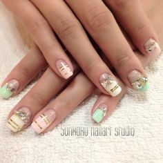 Sunkuku_nailart_studio#sunkuku #sunnykim #nailart #gelnail #glitter #ネイルアート#frenchnail#hongdae#stone_art#nailswag#swag#beauty#nail_design#홍대#젤네일#네일아트