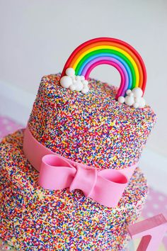 A rainbow cake is fun to look at and eat and a lot easier to make than you might think. Here's a step-by-step guide for how to make a rainbow birthday cake. Cupcakes Arc-en-ciel, Rainbow Cupcakes, Cupcake Cakes, Unicorn Rainbow Cake, Cupcake Toppers, Candy Cakes, Fondant Toppers, Rainbow Birthday Party, Birthday Cake Girls