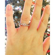 How great is Jen's sparkle selfie!? Love that @gabrielco engagement ring too!