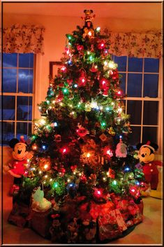 Disney Christmas Tree Decorations Ideas