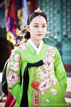 "Képtalálat a következőre: ""jang ok jung hanbok"" Korean Hanbok, Korean Dress, Korean Outfits, Korean Traditional Dress, Traditional Dresses, Korean Women, Korean Girl, Jang Ok Jung, Kim Tae Hee"