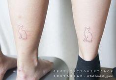 Detail . . .  #고양이타투#cattattoo #라인타투 #감성타투 #타투이스트가온 #tattooistgaon #minitattoo#linetattoo #tattoo#tattoos#tattooed#tattrx #tattooart#ink#drawing #tattoodesign #blacktattoo #blackwork#blackworkers #linework#tattooworkers #여자타투이스트 #제주 #제주타투 #제주라이프 #제주여행  #jeju #jejutattoo