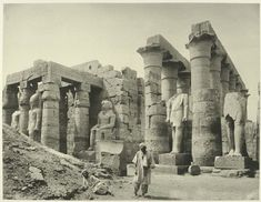 old vintage photos of egypt Luxor: The temple Ramses statues. Rare Photos, Old Photos, Vintage Photos, Ancient Egyptian Art, Ancient History, Ramses, Statues, Luxor Temple, Arte Tribal