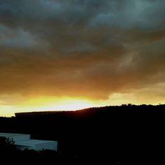 Por do sol de hoje. . . . #sunset #bh #beaga #sun #clouds