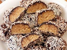 Tahini trüffel 20db Tahini, Muffin, Cooking, Breakfast, Paleo, Food, Kitchen, Morning Coffee, Essen