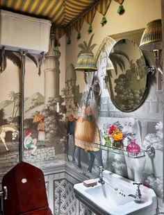 haute boheme Hand Painted Wallpaper, Painting Wallpaper, Of Wallpaper, Bathroom Wallpaper, Wallpaper Ideas, Custom Wallpaper, Architectural Digest, De Gournay Wallpaper, Decoracion Vintage Chic