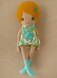 Fabric Doll Rag Doll Girl in Blue and Green Retro por rovingovine, $34.00