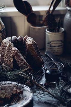 Winter Hazelnut Coffeecake - Christiann Koepke - My site Mini Desserts, Beaux Desserts, Delicious Cake Recipes, Yummy Cakes, Yummy Food, Cake Photography, Sweet Cakes, How Sweet Eats, Unique Recipes