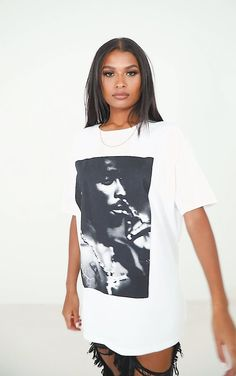 cmc8708 Tupac T Shirt, Off Duty, S Models, T Shirts For Women, Crop Tops, Portrait, How To Wear, Outfits, Shopping