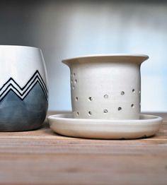 Tea Infuser Stoneware Mug