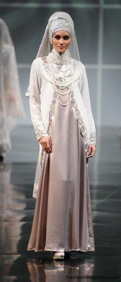 [ Wedding Hijab Bride Wedding Gown Hijab Wedding Hijab Styles Muslim ] - Best Free Home Design Idea & Inspiration Muslim Wedding Gown, Wedding Abaya, Wedding Hijab Styles, Muslimah Wedding, Wedding Gowns, Muslim Gown, Pastel Bridesmaid Dresses, Bridal Dresses, Prom Dresses