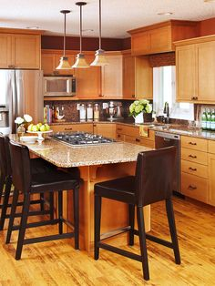Top 10 Kitchen Trends - Discover the biggest trends in kitchen design. - Kitchens are the New Family Rooms