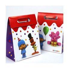 Cajita de cartón de Pocoyo vacía para fiestas y cumpleaños infantiles. Para rellenar con chuches y regalitos y mandar a los peques super contentos a casa. Podeis verlas en este enlace http://www.articulos-fiestas-infantiles.es/fiesta-de-cumpleanos-de-pocoyo/1460-cajita-de-carton-de-pocoyo-vacia-1u.html