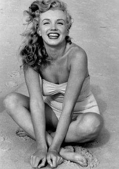 Marilyn Monroe at Beach, 1949 - Ananas à Miami