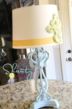 love this little project - been looking for a way to update my living room lamps!