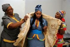 tswana traditional wedding dresses for 2014 African Traditional Wedding Dress, African Wedding Dress, African Dress, Traditional Dresses, African Beauty, African Women, African Fashion, Lace Mermaid, Mermaid Dresses