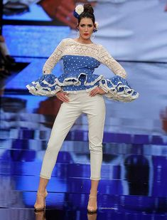SIMOF 2018: el desfile de Sara de Benítez, en fotos / Raúl Doblado Dress Skirt, Peplum Dress, Spanish Fashion, Dress Codes, Traditional Dresses, Fashion Dresses, Culture, Street Style, Suits