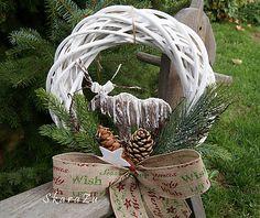 SkaraZu / Sob polárny u vás doma Christmas Wreaths, Christmas Ornaments, Holiday Decor, Home Decor, Decoration Home, Room Decor, Christmas Jewelry, Christmas Decorations, Home Interior Design