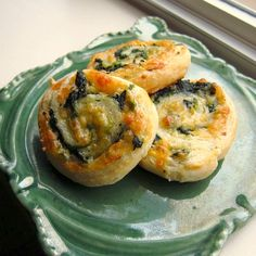 Spinach-Cheese Swirls - had these Thanksgiving and they are wonderful (even cold).