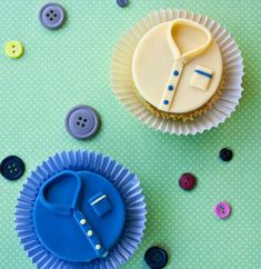 Dad will love these cupcakes that look like button downs!