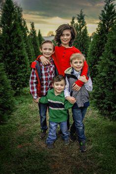 #kids #kid #kidphotography #children #child #childrenphotography #portraits #childrenportraits #photo #photoshoot #photography #photographer #arkansas #arkansasportraits #arkansasphotography #ar #northeastarkansas #NEAphotographer #CapturedByCottingham #cbc #christmas #christmassession #xmas #xmassession #christmascousins Xmas, Christmas, Cousins, Arkansas, Children Photography, Portraits, Photoshoot, Prints, Photo Shoot