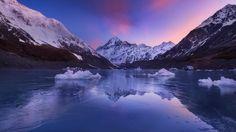 An icy mirror reflects Aoraki in the waters of Hooker Lake at the end of winter. #everlookphotography #newzealand #bestnewzealand #purenewzealand #kiwi_photos #realmiddleearth #aoraki 54k by everlook_photography