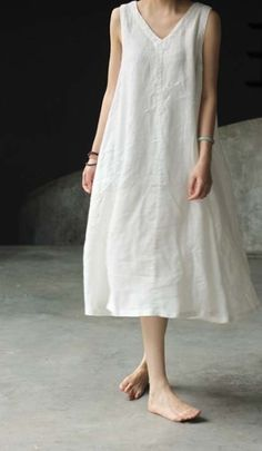 I used to wear this type of clothes back in the when I was pregnant, even if… - Sommer Kleider Ideen Trendy Dresses, Simple Dresses, Summer Dresses, White Linen Dresses, White Dress, Look Fashion, Womens Fashion, Fashion Design, Fashion Goth