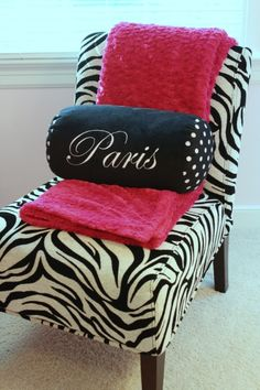 Paris pillow, pink throw, and chaise lounge- love!