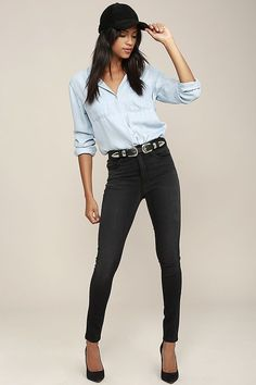 With plenty of stretch and the perfect high-waisted fit, it's time for you to greet the Hi There! Washed Black High-Waisted Skinny Jeans! Washing and whiskering accents skinny pant legs below belt loops, a top button, and hidden zip fly. Five pocket cut.