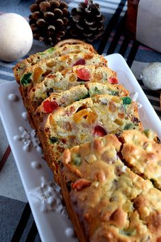 A common Christmastime tradition is fruitcake, and there's so many varieties to choose from. My version is free of alcohol and loaded with both candied and dried fruit, as well as walnuts. Christmas Apricot and Walnut Fruitcake just might be your… Holiday Baking, Christmas Desserts, Christmas Fruitcake, Christmas Cakes, Christmas Time, Easy Cake Recipes, Dessert Recipes, Graham, Christmas Cooking