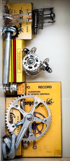It Takes More Than Cost In Picking A Triathlon Bicycle - The Benefits of Bike Riding Bici Fixed, Fixed Bike, Fixed Gear, Vintage Bicycle Parts, Vintage Bicycles, Cycling Art, Cycling Bikes, Mtb, Bike Components
