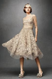 Very Downton Abby, 20's style dress - Beautiful, and I know someone who would beautiful in it :)