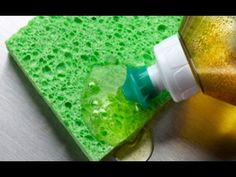 This is a guide about using Dawn dish detergent. Dawn dish soap is recommended for a wide variety of tasks in addition to cleaning dishes. Best Carpet Cleaning Solution, Cleaning Solutions, Cleaning Hacks, Cleaning Supplies, Cleaners Homemade, Diy Cleaners, Glass Cleaners, Homemade Dish Soap, Limpieza Natural