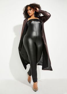 Shop Curvy Girl by Ashley Stewart junior plus size trendy metallic knit statement duster fashionable cardigan chic topper stylish matching three piece set. Classy Outfits, Sexy Outfits, Stylish Outfits, Leggings And Heels, Girls In Leggings, Matching Top And Skirt, Plus Size Inspiration, Curvy Dress, Sexy Women