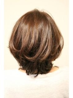 オトナ女子×艶髪×ミディアム - 24時間いつでもWEB予約OK!ヘアスタイル10万点以上掲載!お気に入りの髪型、人気のヘアスタイルを探すならKirei Style[キレイスタイル]で。